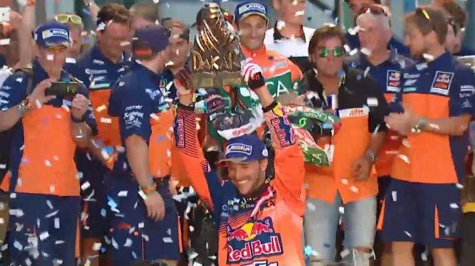 12-sunderland-podium